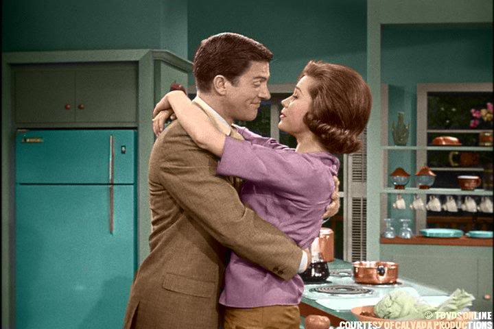 CBS has brought back 'The Dick Van Dyke Show' in Color! (opening video)